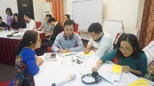 Monitor training Vietnam